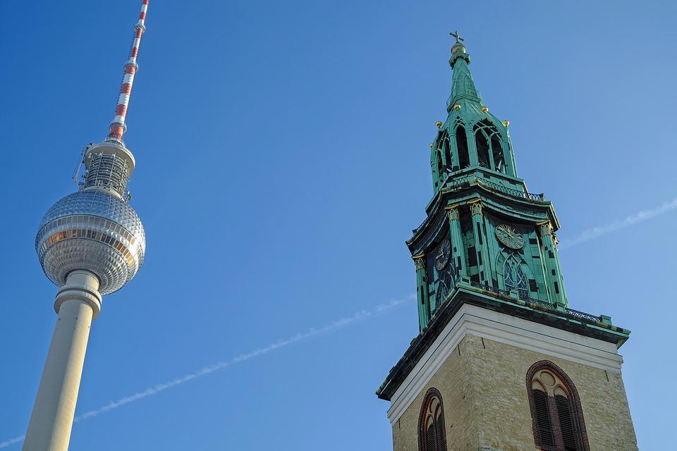 Fernsehturm-Marienkirche-2010853_960_720