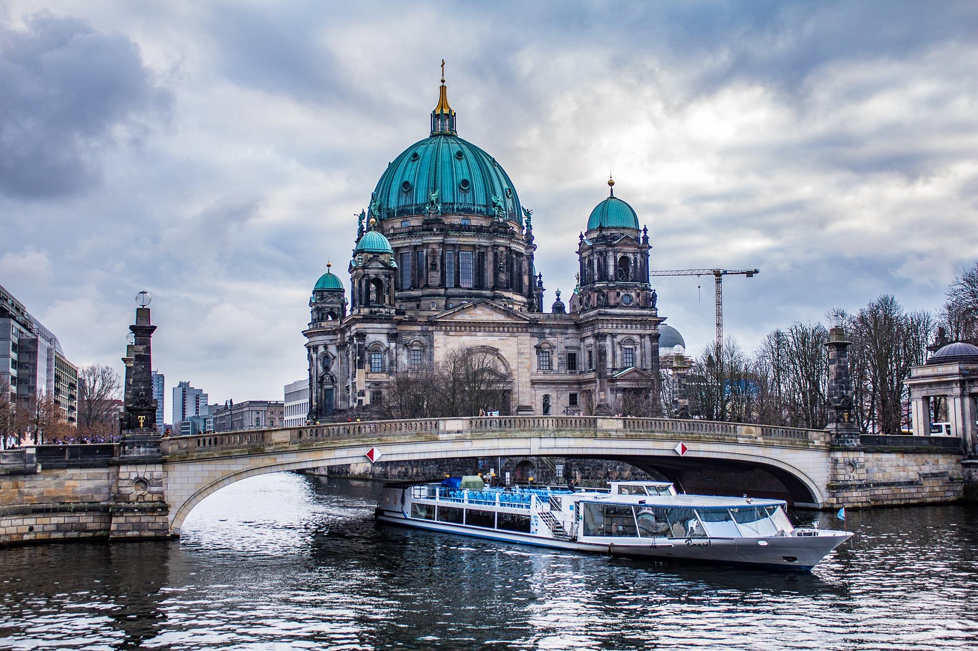 Berliner_Dom_im_Winter